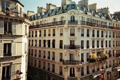 paris-buildings-rooftops