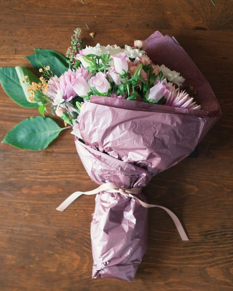 3 ways to arrange supermarket flowers a cup of jo izmirmasajfo