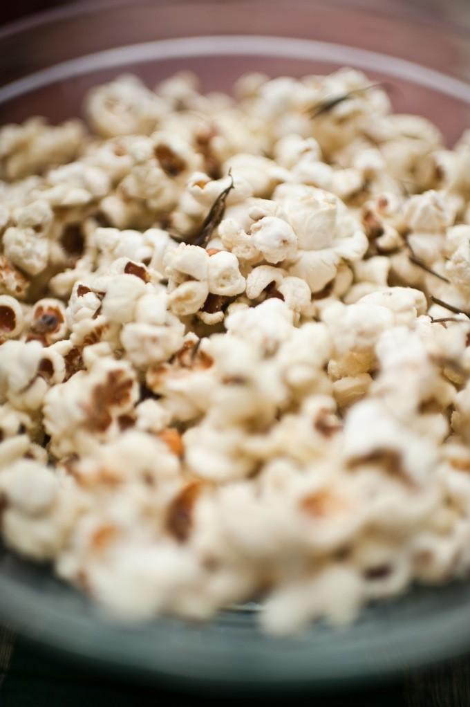 best-rosemary-popcorn-recipe-