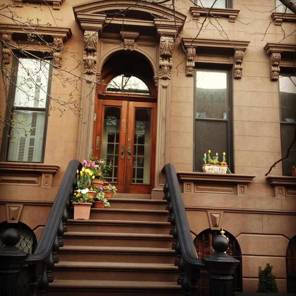 Brooklyn Apartment Building: Weekend Getaway
