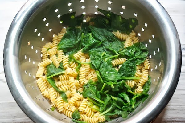 Spinach and blue cheese pasta recipe