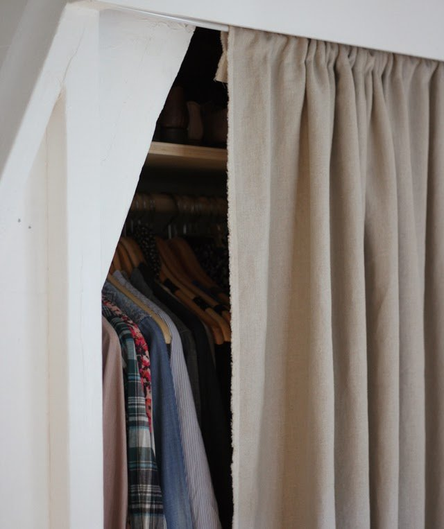 15 genius tips for living in small spaces a cup of jo - Curtains for small spaces ...