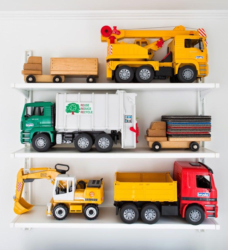 TRUCK BOOKS and CARS Lot Of 16 Tonka Fire Trucks Bulldozer Dump Ambulance