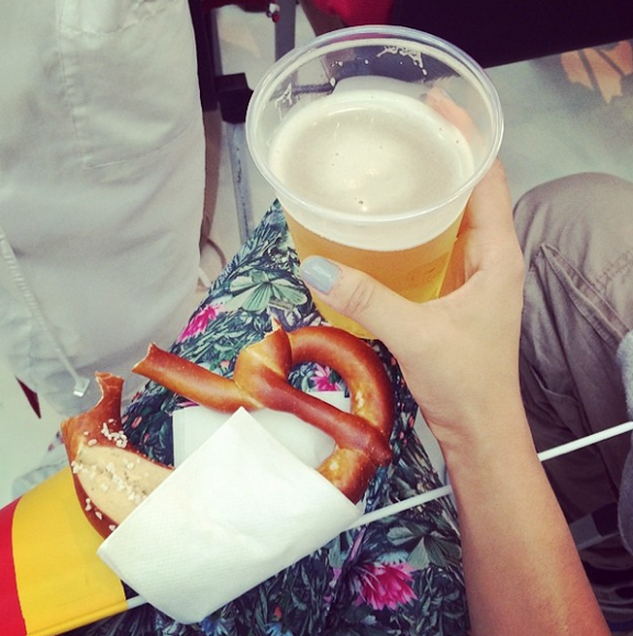 beer-and-pretzel-in-berlin