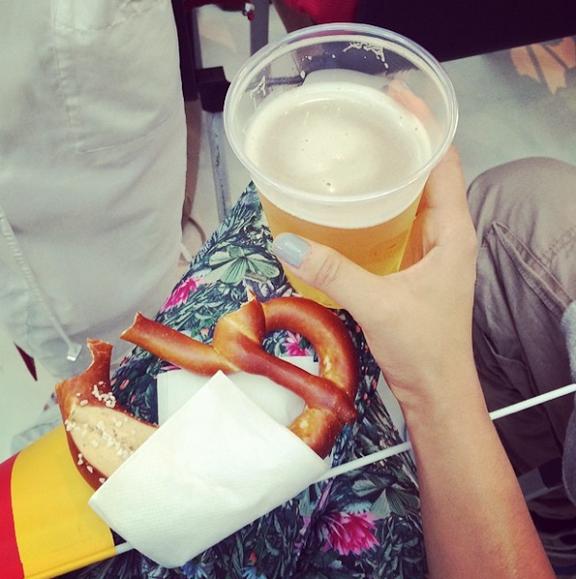 beer-and-pretzel-in-berlin