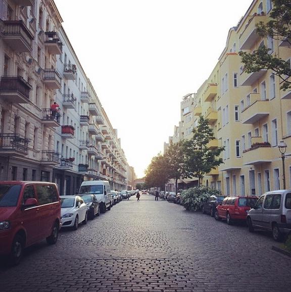 luisa-weiss-motherhood-berlin-street