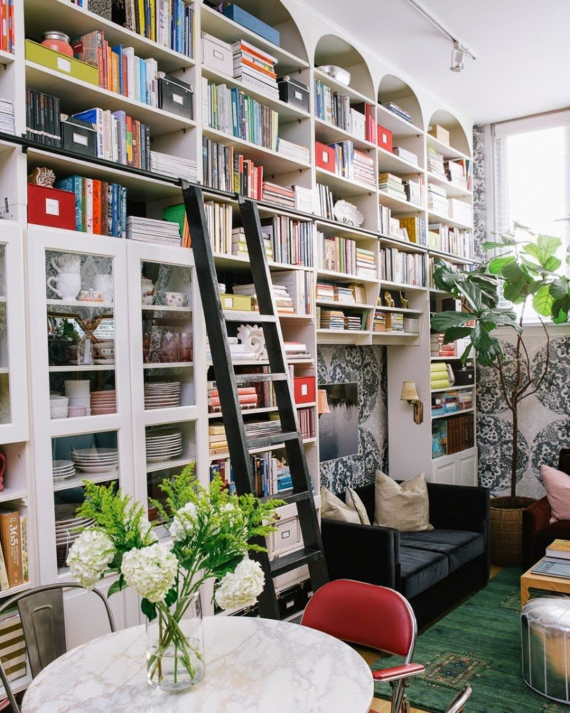 Make A Living Room A Library: 13 Brilliant Tips For Decorating A Small Space