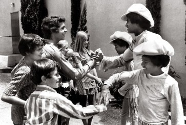 brady-bunch-meets-jacksons-19711