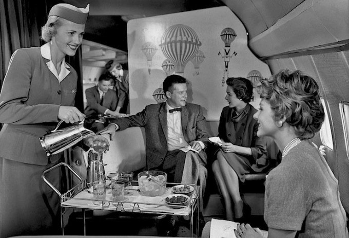 Pan-Am-cocktail-service