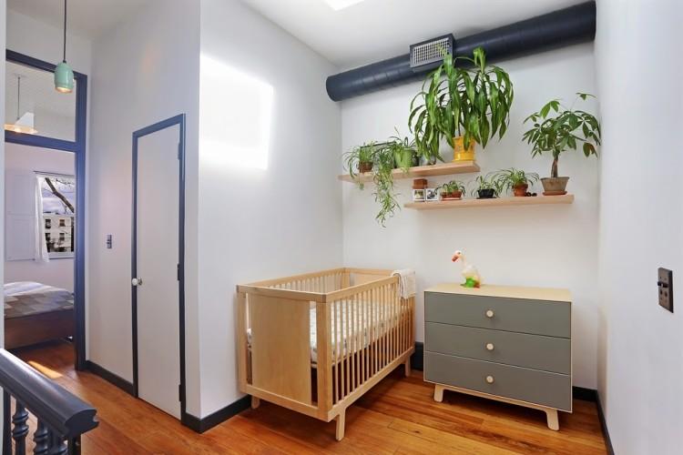 bedroom-skinny-house-brooklyn-