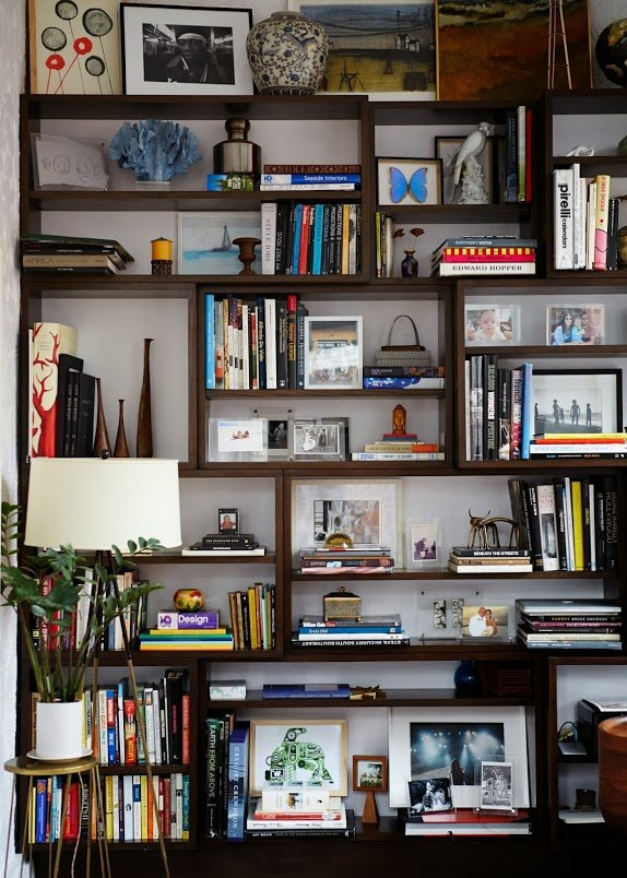 ariane-goldman-west-village-home-tour-bookshelf-inspiration-how-to-style