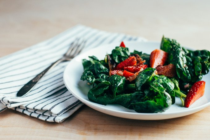salad-stawberries-bacon