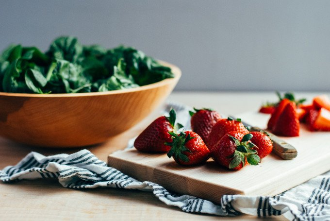 salad-with-strawberries