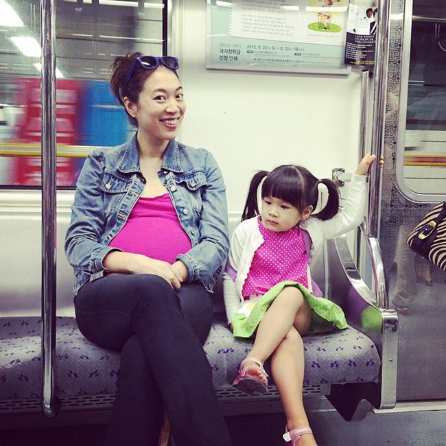 Elise Hu-Stiles-Motherhood-Around-the-World-South-Korea