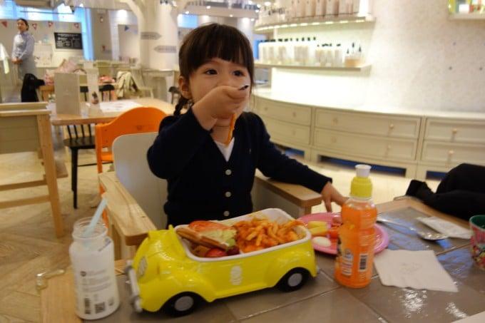 elise-hu-motherhood-around-the-world-south-korea