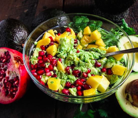 guacamole-with-pomegranate-seeds