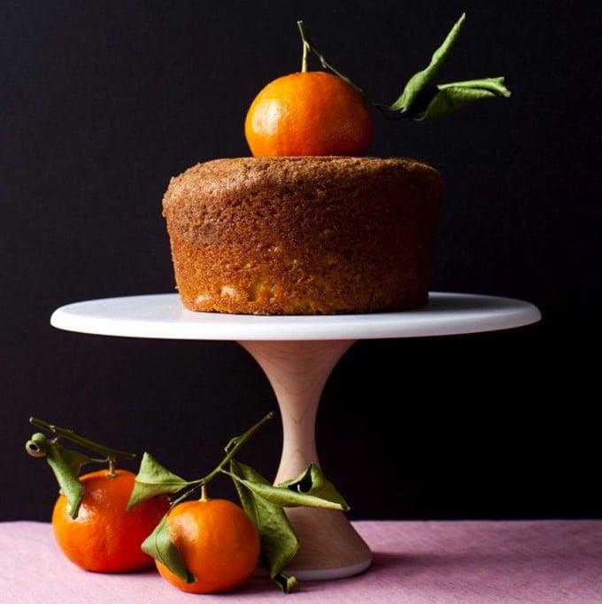 AHeirloom cake stand