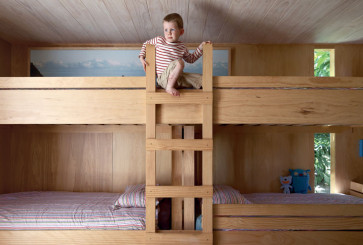 four-kids-sharing-bedroom-bunkbeds