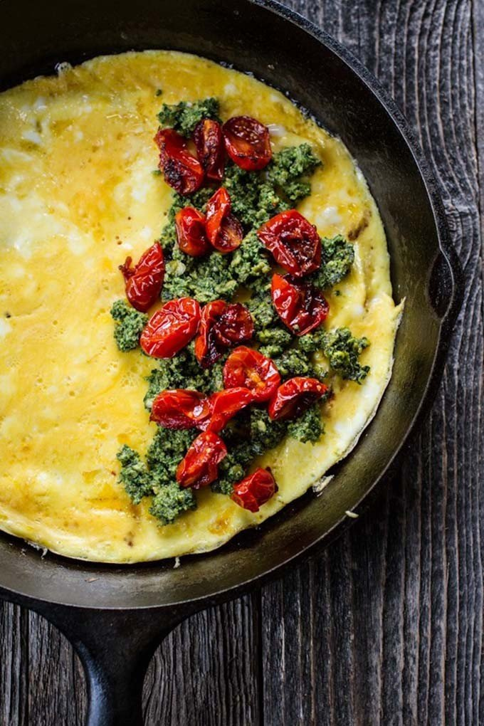 Pesto and Roasted Tomato Omelette