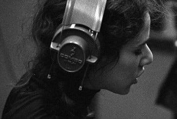 carole_king_headphones