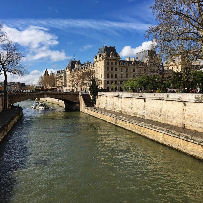 Traveling Alone to Paris for a 30th Birthday