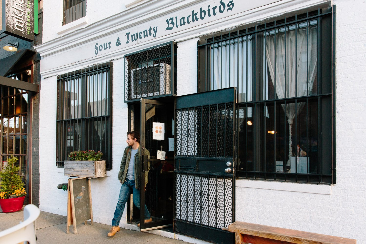 Pie Bakers: Four Twenty Blackbirds