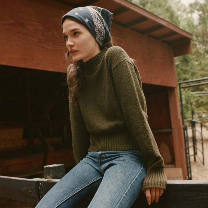 Doen Bouclé Sweater