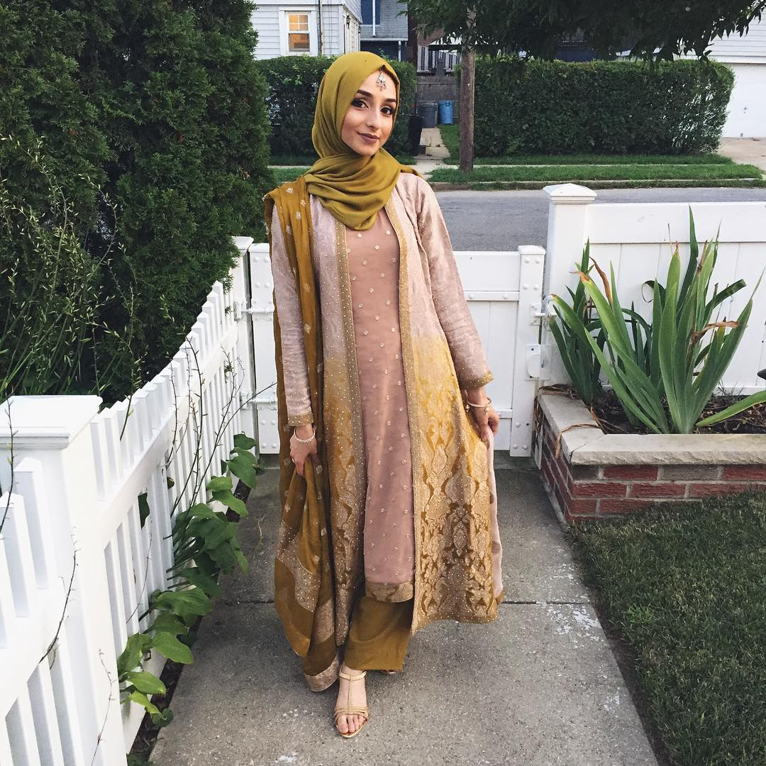 Afzaa Motiwala Beauty Uniform