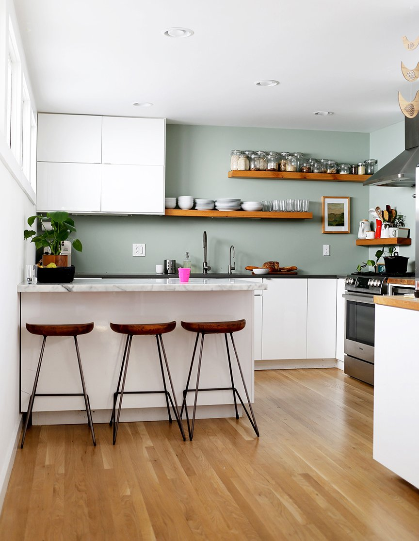 A Friendly Home In The Heart Of San Francisco (With A Gorgeous Green Kitchen )