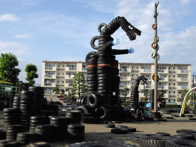 Nishi Rokugo Koen tire playground in Japan