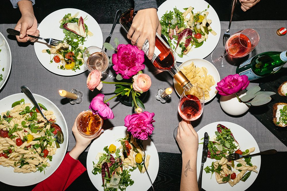 How to Host an Epic Dinner Party
