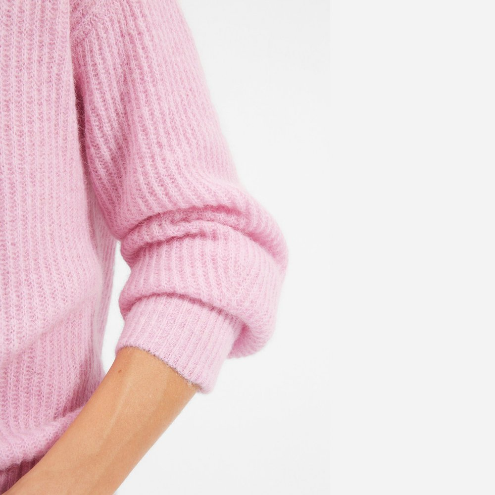Everlane pink sweater