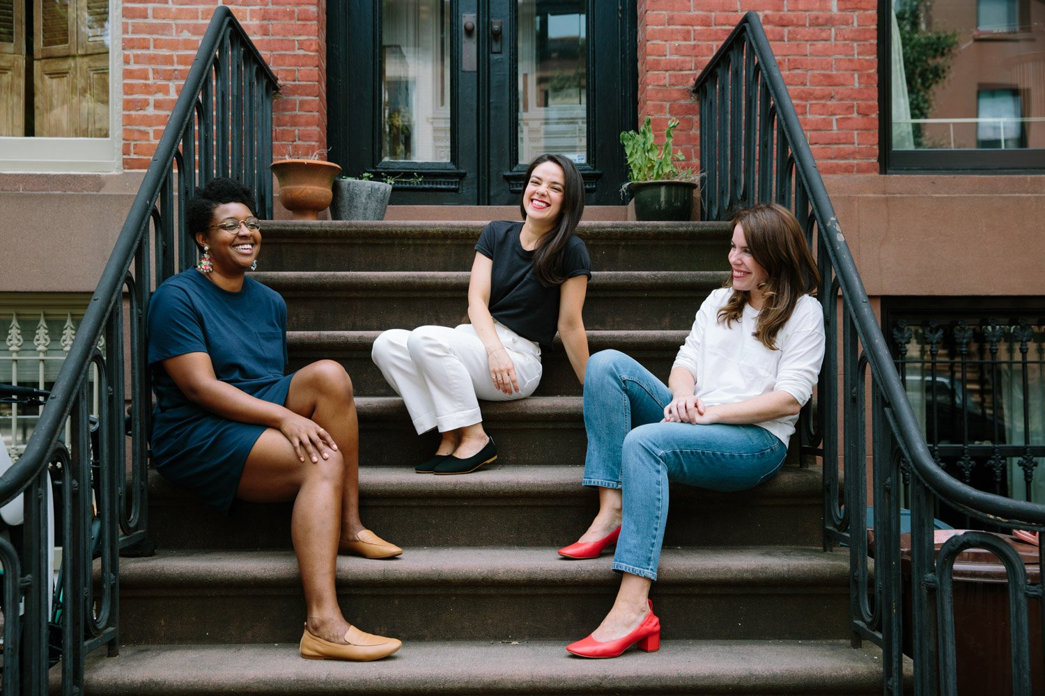 01d9c915dcf4 For years, Everlane has been the clothing brand we reach for over and over  again. From jeans to dresses to shoes, their pieces take us from the office  to ...