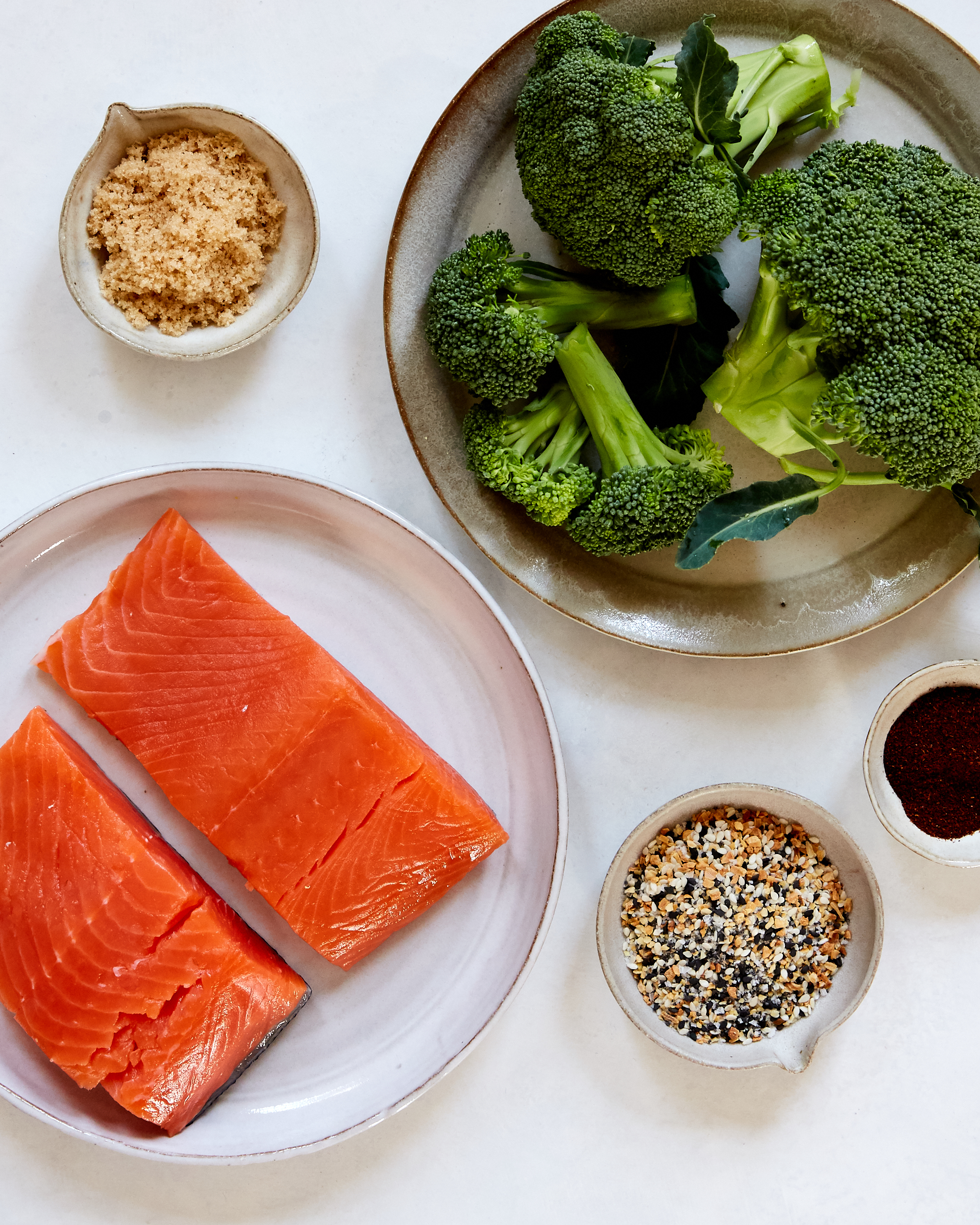 Five-Ingredient Dinner: Baked Salmon With Seasoned Broccoli