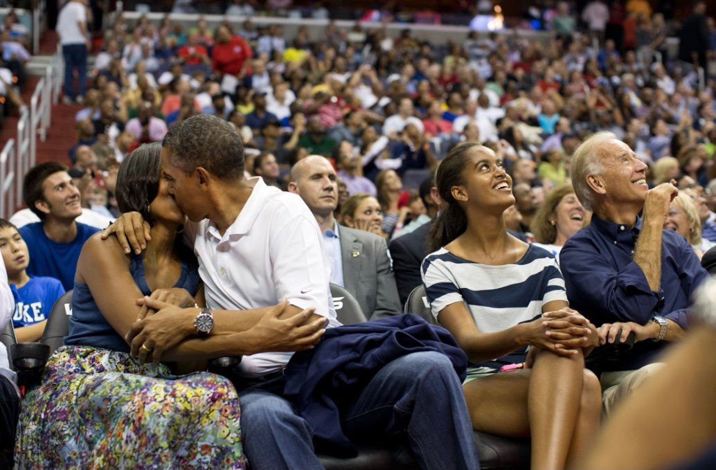 Michelle and Barack kissing