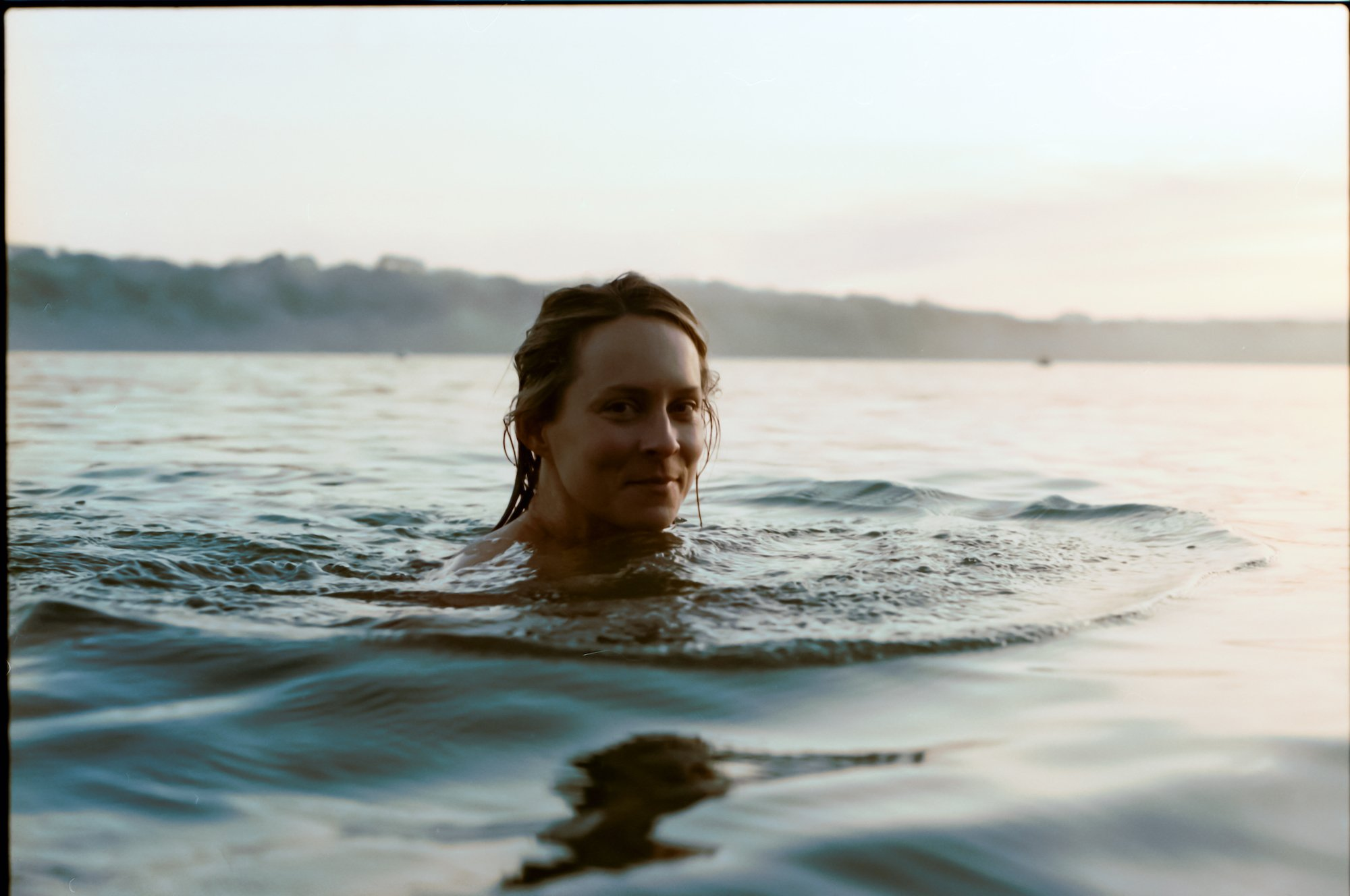 Lucy Laucht cold water swimming