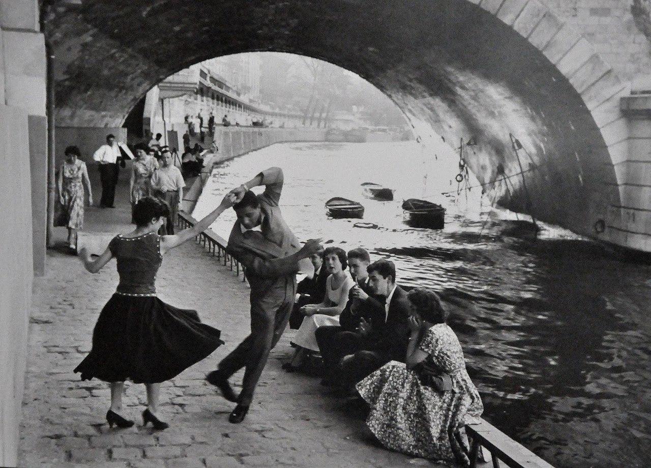 رقصیدن در پاریس
